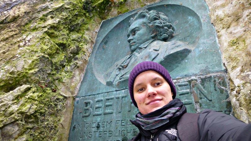 Wandern Wanderung Natur Helenental Augustinerhütte Beethoven Denkmal Beethovenstein