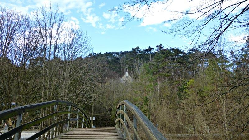 Wandern Wanderung Natur Helenental Augustinerhütte Cholerakapelle
