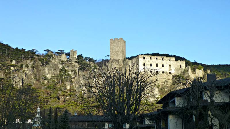 Wandern Wanderung Natur Helenental Augustinerhütte Ruine Rauhenstein