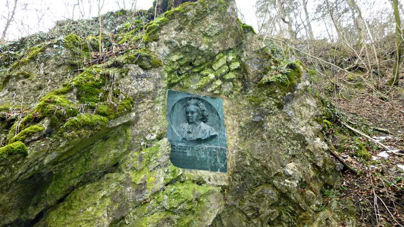Wandern Wanderung Natur Helenental Augustinerhütte Beethoven Beethovendenkmal Denkmal