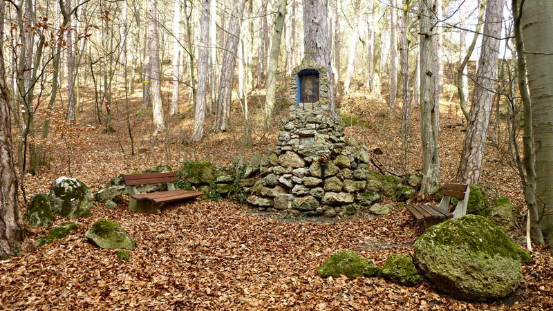 Kaiserstein Waldlehrpfad Bad Vöslau Wald Natur Aussicht Harzberg Waldandacht