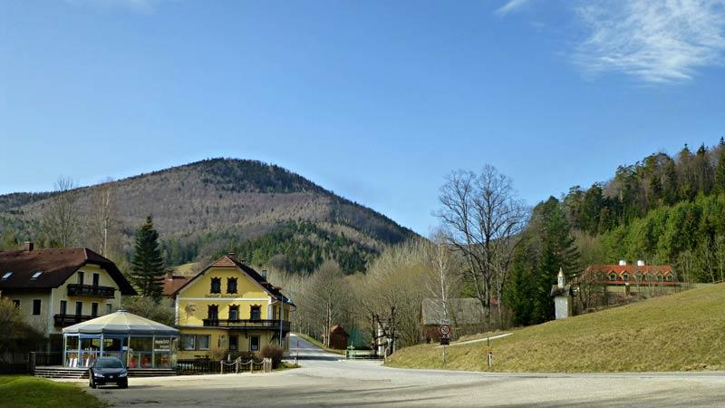 Myrafälle Wandern Wanderung Hausstein Aussicht Gipfelkreuz Natur Wald Ausflug Karnerwirt Muggendorf