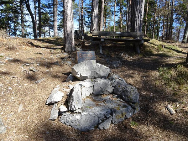 Mariahilfberg Gutenstein Wandern Wanderung Natur Wald Aussicht Schneeberg Grotte Kreuzweg Raimundsitz Ferdinand Raimund